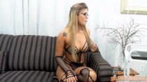 De lingerie sensual, Anny Lee bate papo com os assinantes