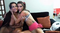 Assista as lésbicas brincando na webcam ao vivo com assinantes
