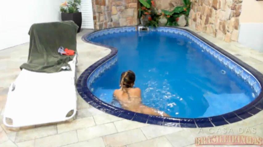 Peladinhas na piscina